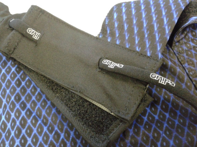 Grips-Velcro5