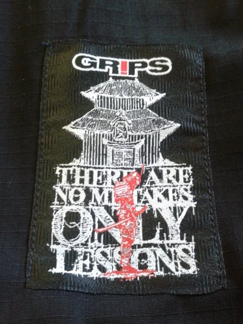 GRIPS ATHLETICS SECRET WEAPON BJJ GI 2.0 BLACK - Gi Pants Patch
